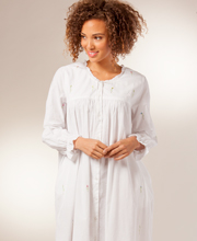 La Cera Flower Embroidery Long Sleeve Cotton Robe/Button-Front Nightgown - White