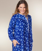 Lanz Nightgowns - Women's Round Neckline Fleece Nightgown in Evening Snowflakes