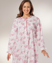 Plus Cotton Robe Long - Button-Front By La Cera in Victorian Rose