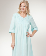 Miss Elaine Seersucker Robe - 2/3 Sleeve Long Zip Front in Mint