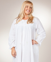 Plus La Cera Flower Embroidery Cotton Robe/Button-Front Gown - White