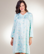 Miss Elaine Brushed Back Satin Short Pintucked Nightgown in Aqua Floral