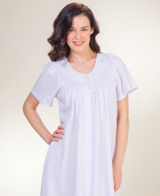 Miss Elaine Robes - Snap Front Short Waffle-Knit Robe in Lavender