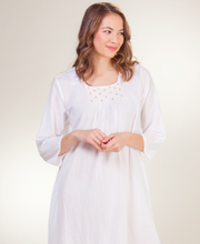 La Cera Boutique White Cotton Lawn Nightgown in Rosebud Fancy