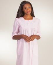 Long Miss Elaine Seersucker - Square Neck Zip Robe in Pink Stripe