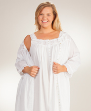Plus Eileen West  Cotton Lawn White Nightgown and Robe Set in Salinas