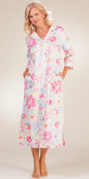 foto de Miss Elaine Long Robes Zip Front Pink Floral Caftan