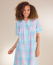 Snap Front Miss Elaine Short Seersucker Robe in Turquoise Plaid
