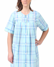 Short Miss Elaine Seersucker Snap Front Robe in Aqua Blue Plaid