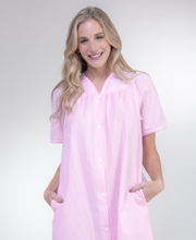 Miss Elaine Seersucker V-Neck Snap Front Short Robe in Vintage Pink