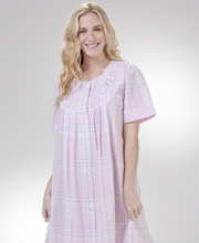 Short Miss Elaine Seersucker Embroidered Snap Front Robe - Pink Grey Plaid