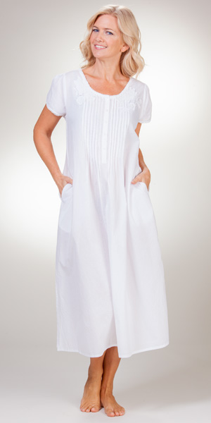 Soft   Easy Cotton Gown - La Cera Lace-Trim White Short Sleeve Gown f359f6fea