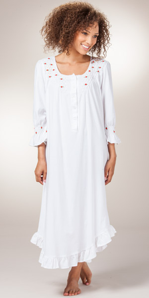 Nighties and Nightgowns for Plus Size. Plus Size Nightgowns - Browse our large selection of comfortable quality plus size sleepwear for women of all sizes. Search a variety of styles including long sleeve, short sleeve and sleeveless nightgowns - selected for comfort in flattering popular styles.