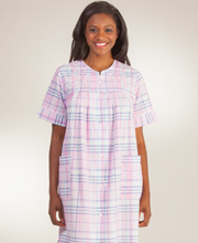 Miss Elaine Snap Front Short Seersucker Robe - Pink Navy Plaid
