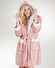 Body Touch Hooded Poly Sherpa Short Wrap Robe in Blush