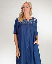La Cera Snap Front Short Sleeve Cotton Dress in Denim Celebration
