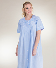 Miss Elaine Seersucker Snap Front Short Robe In Blue Stripe