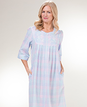 Miss Elaine Robes - Long Zip Seersucker Robe in Pastel Plaid