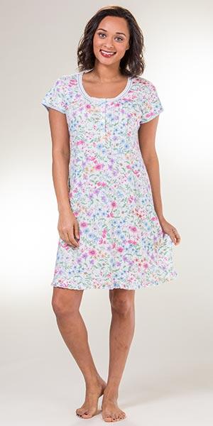 4dd47ec803978 Miss Elaine Sleepwear - Short Sleeve Waltz Nightgown in Wildflowers