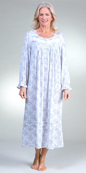 Plus Eileen West - Long Sleeve Woven Rayon Nightgown in Nocturne Floral f41311aec
