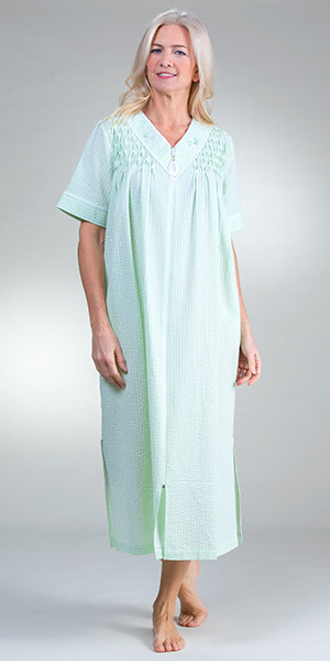 4b00c5e607cba Miss Elaine Plus Robes - Long V-Neck Smocked Zip Robe in Mint Check