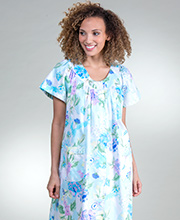 Short Snap Front Miss Elaine Cotton Robe in Turquoise Watercolor