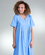 Short Miss Elaine Seersucker Embroidered Snap Front Robe - Chambray Blue