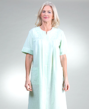 Miss Elaine Plus Robe - Short Snap Front Seersucker Robe In Mint Check