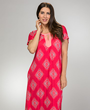 Ellen Tracy Rayon Blend Short Sleeve Knit Caftan in Fuchsia Emblem