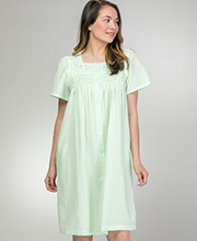 Miss Elaine Seersucker Robe - Short Snap Front Robe in Mint Green