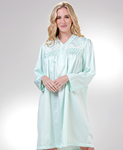 Miss Elaine Short Brushed Back Satin Nightgown in Mint Geo