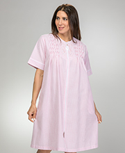 Miss Elaine Short Zip Front Smocked Robe - Seersucker in Peach Stripe