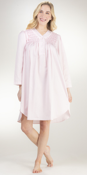 Miss Elaine Brushed Back Satin Short Nightgown in Pink Diamond