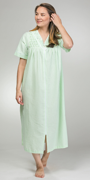 Miss Elaine Plus Robes - Long V-Neck Smocked Zip Robe in Mint Check